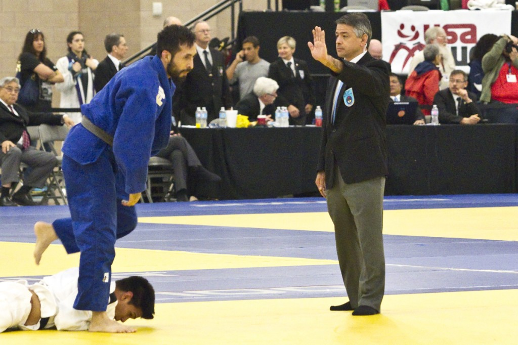 Karl Tamai refereeing at 2016 US Senior Nationals