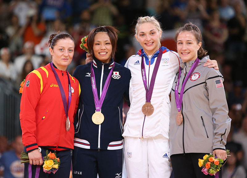 MARTI MALLOY THROWS OLYMPIC CHAMPION TO WIN BRONZE !!!!!